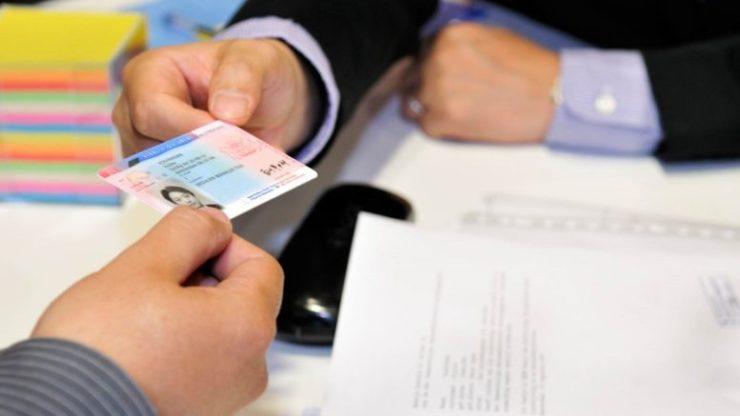Proroghe burocratiche per gli stranieri